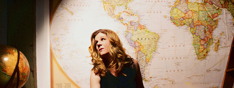 Dar Williams Plays at the Tin Pan